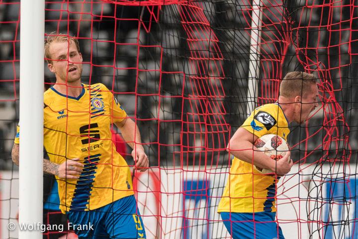 SG Sonnenhof Grossaspach vs. Eintracht Braunschweig, Fussball, Herren, 3.Liga, 14.Spieltag, Saison 18/19,  GER, 03.11.2018